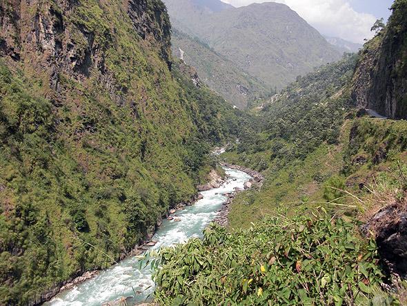 Горная река Бхоте Кози