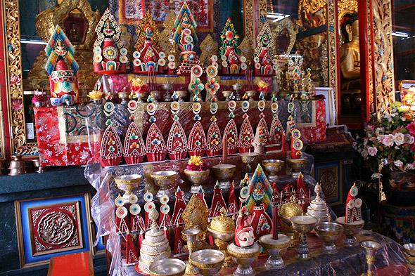 Фигурки из сливочного масла в тибетском монастыре
