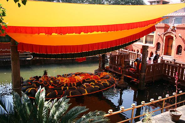 Индуистская святыня Буданиканта