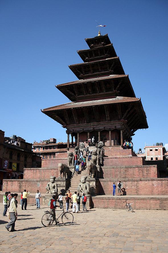 Пяти-ярусный храм Ньятапола - Nyatapola temple