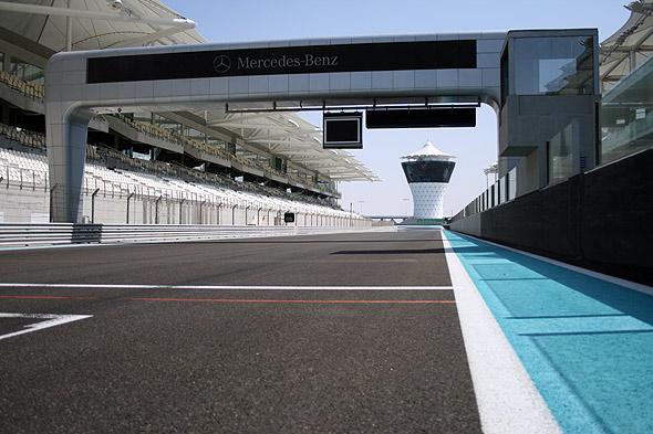Стартовая прямая Yas Marina Circuit