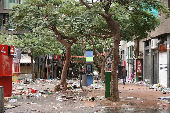 Утро на улицах Санта-Круз после Карнавала