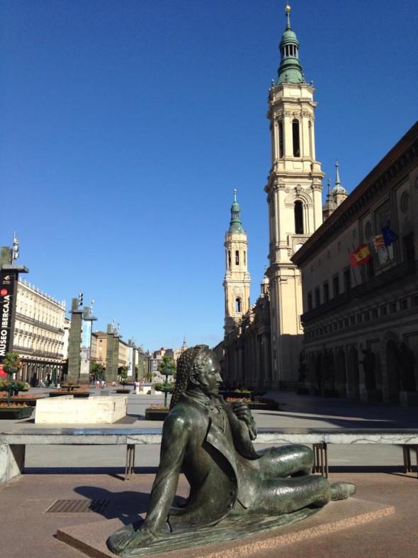 Площадь Нуэстра-Сеньора-дель-Пилар, Сарагоса