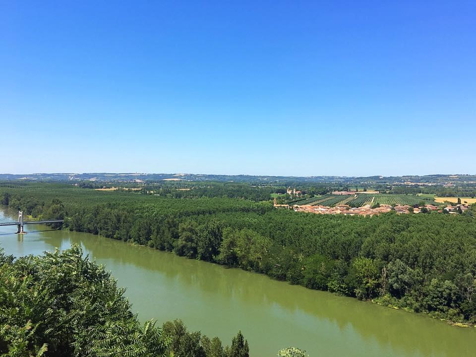 Вид на реку из Овиллар