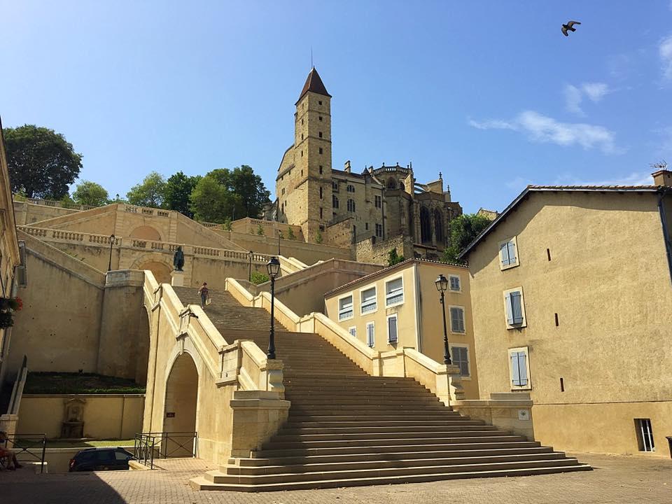 Лестница в 374 ступени в Оше