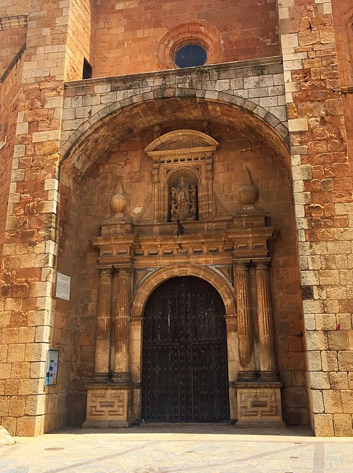Позднеготическая церковь в Ariza