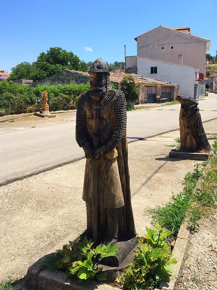 Скульптуры из дерева в Medranda