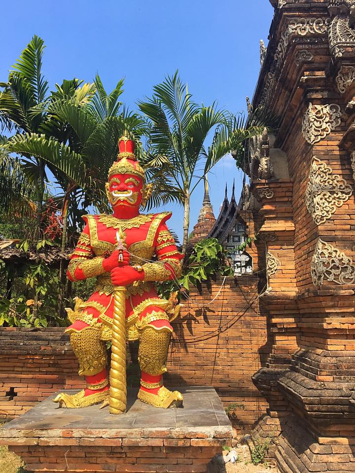 Охранник на входе в Wat Lok Mol, Чианг Май
