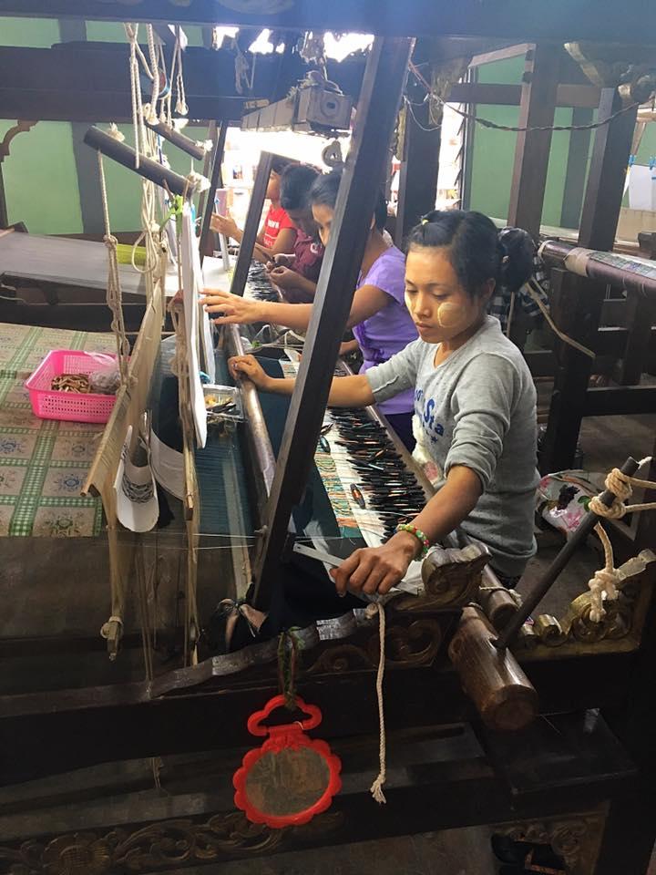 Ткацкие мастерские в Бирме