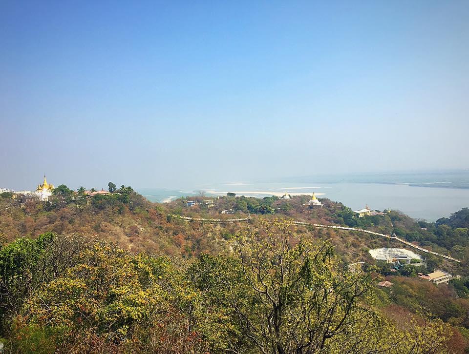 Вид на долину реки Иривати с холма Сагаинг