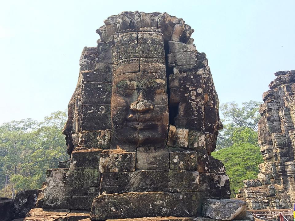 Храм Bayon c четырьмя обличьями Будды