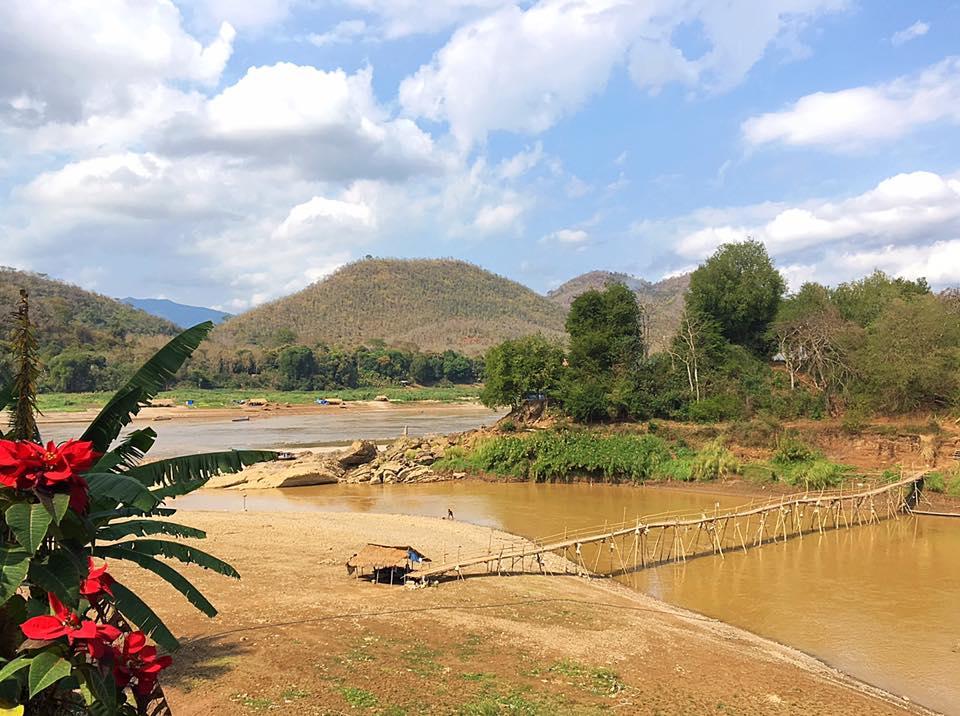 Место впадения реки Нэм Кхэн в Меконг