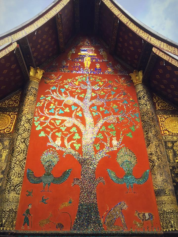 "Мозаика ""Дерево жизни"". Храм Xieng Thong"