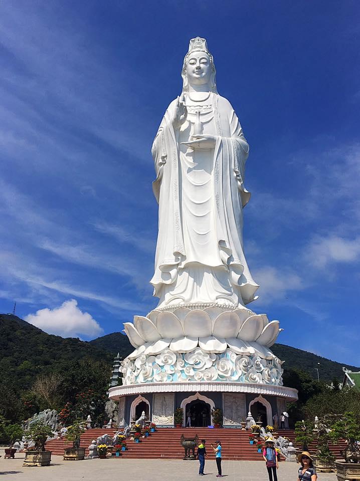 Храм Linh Ung (Богини Милосердия), Дананг