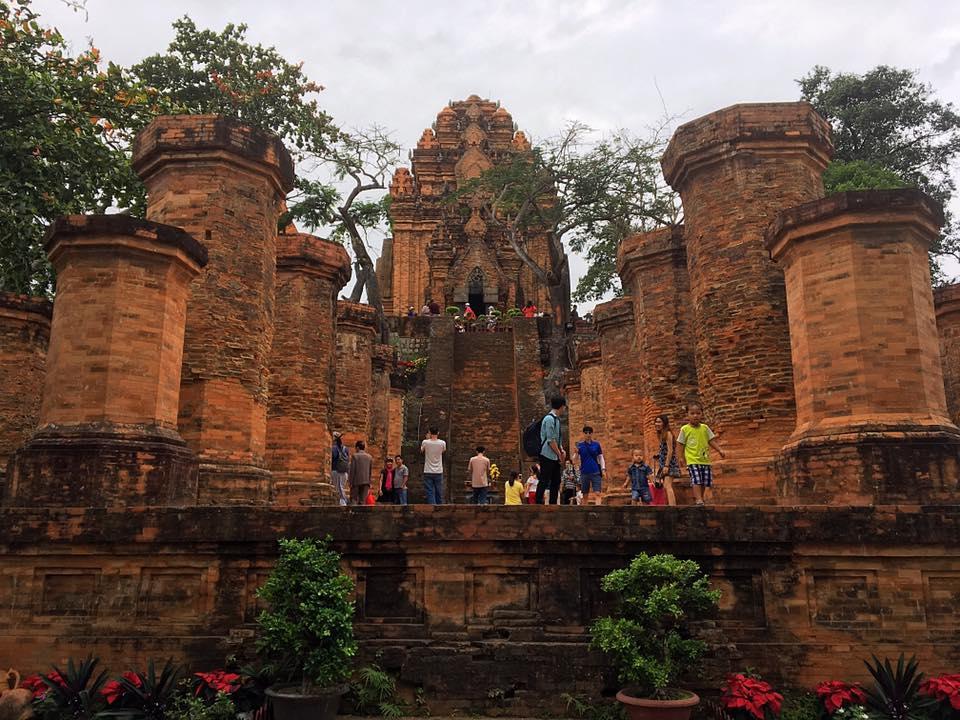 Чамские башни Понагар, Вьетнам