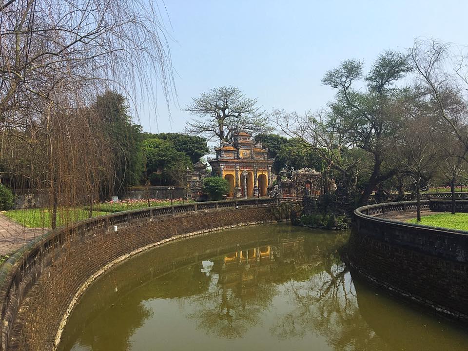 Пруд. Гробница императора Ты Дык (Tu Duc), Хюэ