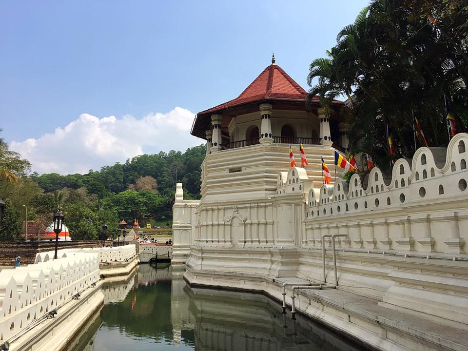 Храм Зуба Будды, Канди