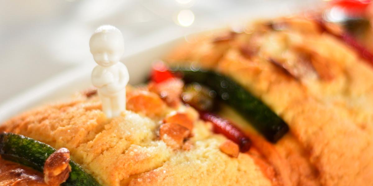 Фигурка-сюрприз (muneco) внутри Rosca de Reyes