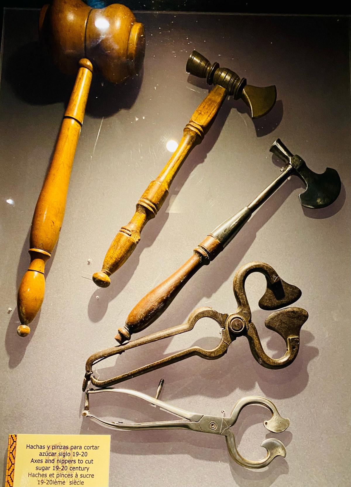 Инструменты для колки сахара
